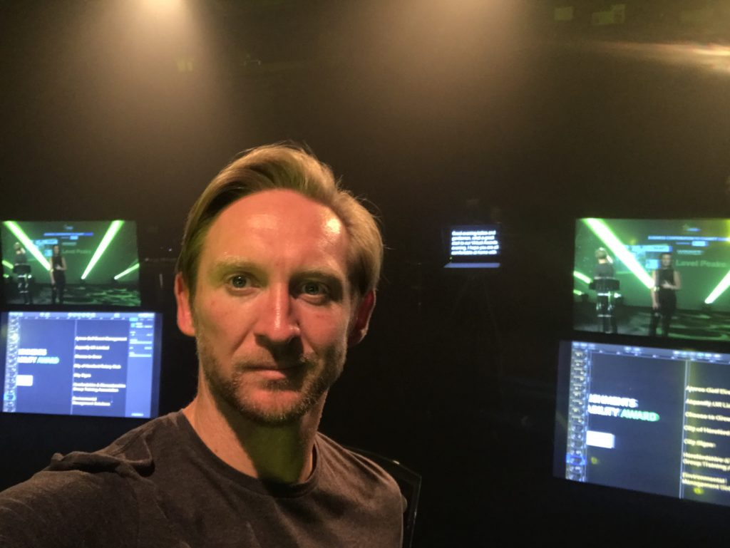 virtual-presenter-backstage